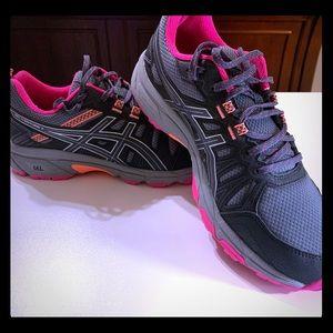 ASICS Gel Venture 7 sneakers worn once!!